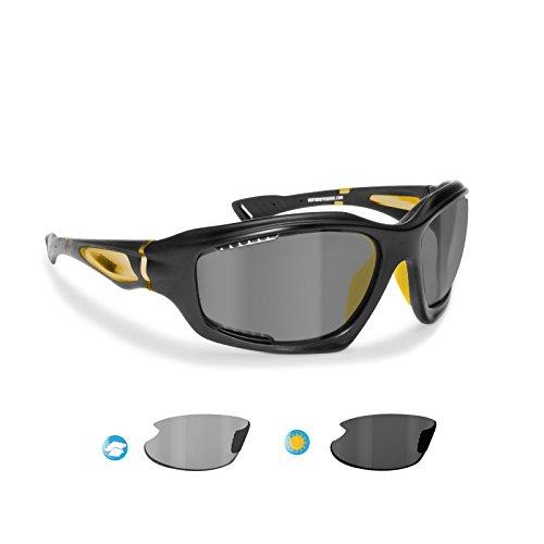 BERTONI Gafas de Sol Deportivas Polarizadas Fotocromáticas para Deporte Ciclismo MTB Pesca Esqui Golf Running Kitesurf - P1000FT Italy (Negro Mate - Amarillo)