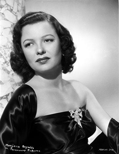 Celebrity Photos Marjorie Reynolds on a Tube Dress Leaning Portrait Photo Print (20,32 x 25,40 cm)