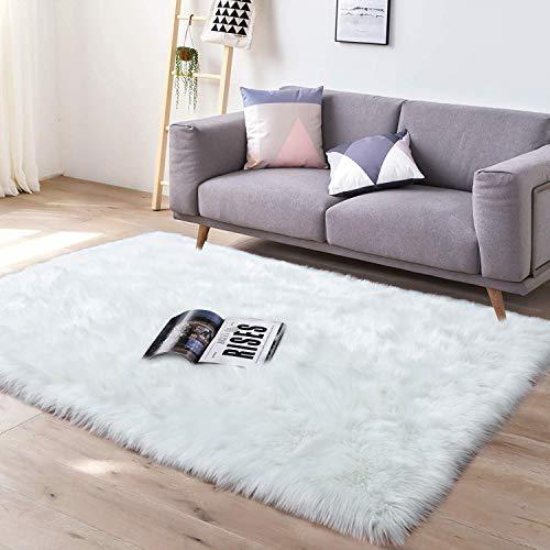 YJ.GWL Super Soft Faux Sheepskin Fur Area Rugs for Bedroom Floor Shaggy Plush Carpet Faux Fur Rug Bedside Rugs, 3 x 5 Feet Rectangle White