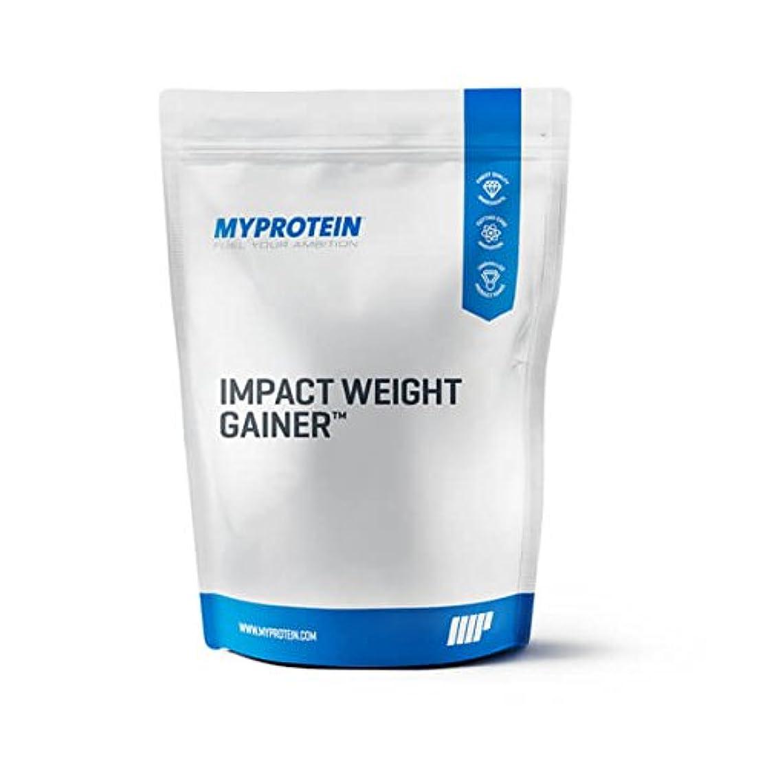 クマノミ回転する変なマイプロテイン?Impact ウェイトゲイナー (バニラ, 5kg)