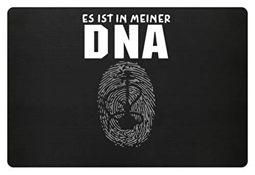 SPIRITSHIRTSHOP Es Ist In Meiner DNA. - Shisha, Schischa, Rauchen, Wasserpfeife, Pfeifen, Tabakrauchen - Fußmatte -60x40cm-Schwarz