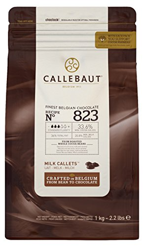 Callebaut N° 823 (33,6% cacao) - Gotas de cobertura de chocolate con leche belga (callets) fáciles de fundir El chocolate con leche n° 1 para muchos chefs, con un delicado equilibrio de cacao, leche y caramelo. Fantástico tanto para uso casero como p...