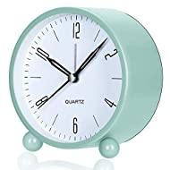 ⏰【Compact Design】OUTWIT analog alarm clock is made of high quality mental casing, powered by 1* AA battery, measured at 3.93'' x 4.33'' x 1.97''. The clock fits perfectly on your compact nightstand, table desk & shelf, bedrooms for you to wake up, al...