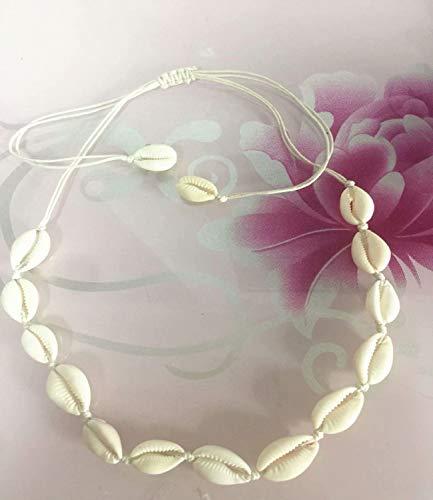 Halsketten aus natürlichen Muscheln und Ketten sind in Mode