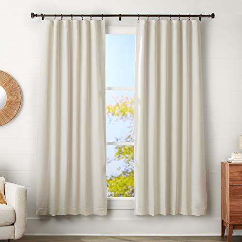 Amazon Basics - Barra de cortina con terminales cúbicos, 2,5 cm de diámetro, longitud ajustable de 183-366 cm, con 14 anillas, color marrón