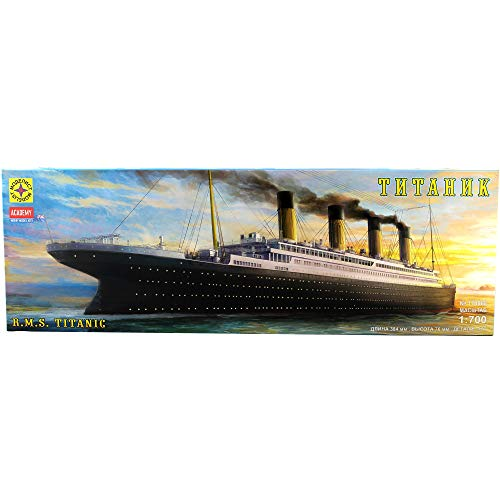 RMS Titanic British Passenger Liner - Plastic Ship Model Kits Scale 1:700 - Assembly Instructions in Russian Language