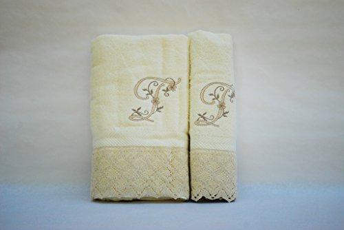 (T). Juego de 3 toallas beije(100x150, 50x100, 50x30) LETRAS INICIALES BORDADAS, 100%algodón,, fabricado en Portugal.
