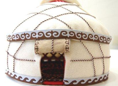 ユニユルト Uni Yurt 遊牧民ユルタの模型 キルギス製おもちゃ モンゴル ゲル カザフスタン  (茶)