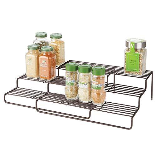mDesign Estantería para especias para muebles de cocina – Estante especiero extensible para mantener el orden en la cocina – Mueble para especias de metal inoxidable con 3 niveles – color bronce