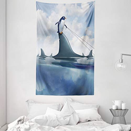 ABAKUHAUS Hai Wandteppich & Tagesdecke, Pinguin, der Wilde Fische anhält aus Weiches Mikrofaser Stoff Kein Verblassen Klare Farben Waschbar, 140 x 230 cm, Blau grau Sand