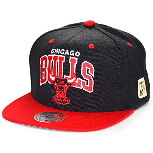 Mitchell & Ness Snapback Cap Team Arch HWC Chicago Bulls Black/red