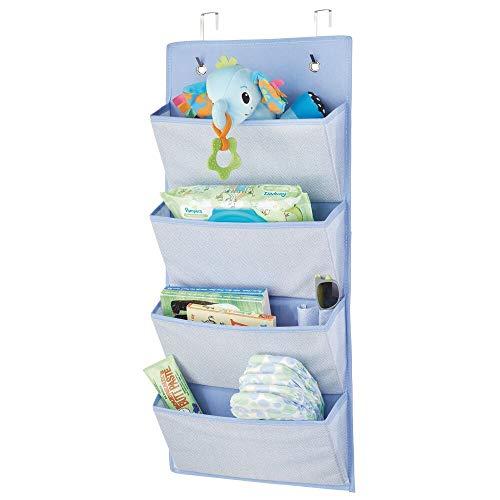 mDesign Hängeaufbewahrung mit 4 großen Taschen – Kinderzimmer Aufbewahrung für Kinderschuhe, Accessoires und Kleidung – Taschengarderobe zum Hängen – blau