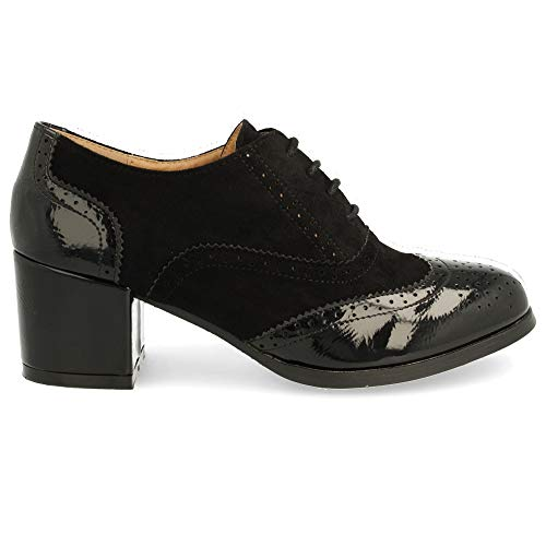 Zapato de Tacon Cuadrado con Cordones Redondos y Patron Calado Tipo Oxford. Altura del Tacon: 6 cm. Talla 40 Negro