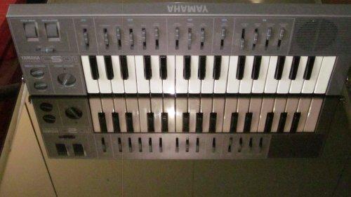 Great Price! Yamaha CS01 Synthesizer keyboard CS1 CS-01