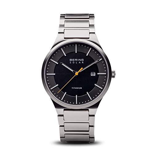 BERING Herren Analog Quarz Uhr mit Titan Armband 15239-779