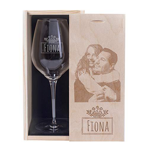 Copa de vino grabada con nombre y caja grabada con foto