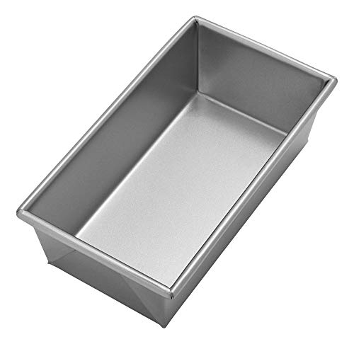 Chicago Metallic Commercial II Traditional Uncoated 1-Pound Loaf Pan -