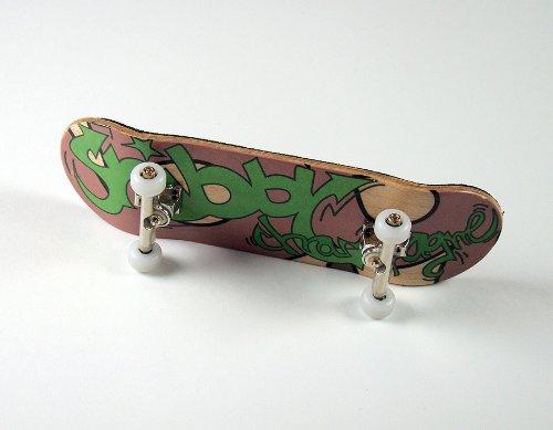 "KOMPLETT Fingerskateboard Shibby Champange #1 \""Graffiti Tag Deck + Achsen Silber + FINAL-Rotation PU Wheels WEIß von FREEFINGERS® Handmade Wood Fingerboard"