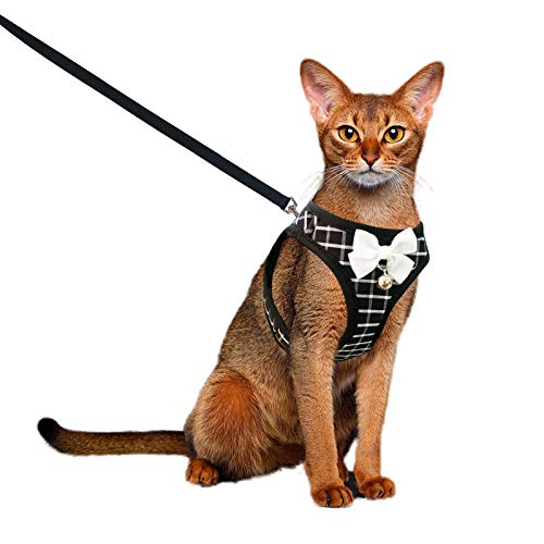 Aumuca Cat Harness and Leash for Walking Escape Proof with Bell and Bow-Knot Decoration,Adjustable Soft Kittens Vest for Cats,Cat Walking Harness,Step-in Comfortable Outdoor Vest(Black,S)