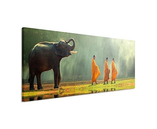 Unique Bild 120x40cm Kunstbilder – Junger Elefant mit buddhistischen Mönchen