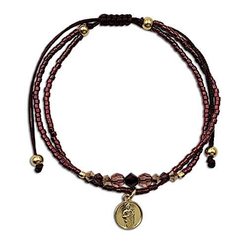 Alessandra Boho - Pulsera Mujer de Hilo Marrón con Cristales Swarovski® y Mini Medalla de San Judas Tadeo en Plata con Baño de Oro