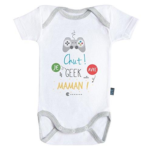 Baby Geek Chut Je Geek avec Maman - Body Bébé Manches Courtes - Coton - Blanc - Coutures Grises (6-12 Mois)