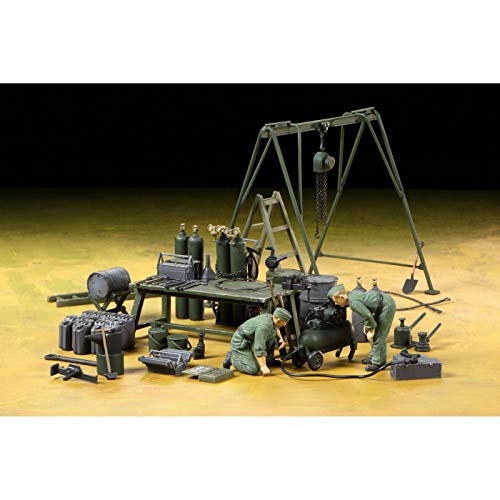Tamiya Italeri Series No.23 1/35 German Field maintenance soldiers team equipment set plastic model 37023