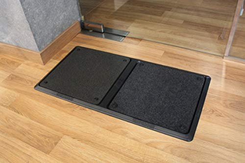Felpudo desinfectante con dos compartimentos separados para desinfectar los zapatos en los accesos. Tamaño (80 de largo * 40 cms de ancho)