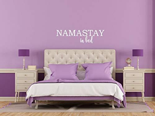 Adhesivo decorativo para pared con cita de Namastay In Bed para decoración del hogar, de PVC, tamaño grande, 120 cm de ancho x 42 cm de alto