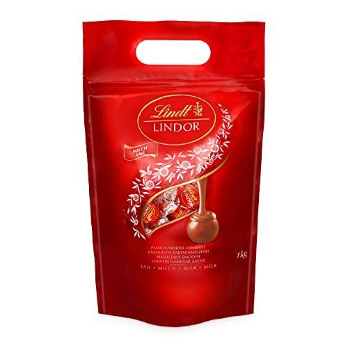 Lindt LINDOR Beutel Vollmilch, Milch-Schokolade mit einer zartschmelzenden Füllung, Geschenk, Großpackung, (ca. 80 Kugeln), 1 kg