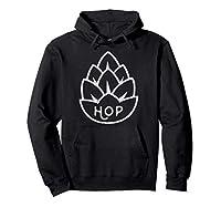 Création de logo vintage de bière de houblon en détresse avec une fleur de houblon (Humulus lupulus). Parfait pour les dégustateurs de bière raffinés qui aiment une bonne IPA, de la bière artisanale et de la bière maison. Ce produit de bière de houbl...