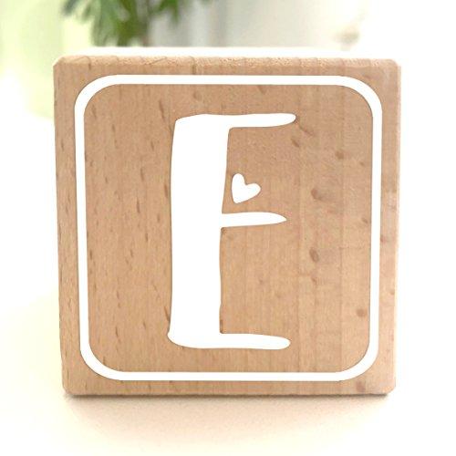 Holzwürfel mit Buchstabe E