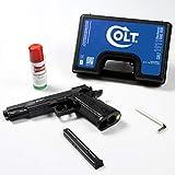 Colt Cybergun Pistola Softair M1911 Blackened a C02 in ABS Azione Singola Non Scarrellante, Colore Nero, Impugnatura Antiscivolo Pot. 0,9 J+Spray Universale Ballistol 25 Ml+Valigetta Rigida