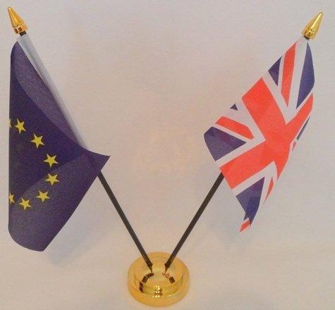 Unión europea Euro Blue Star de bandera de Reino Unido 2 bandera amistad banderas de la bandera de sobremesa mesa centro con oro base ideal para fiestas conferencias oficina pantalla: Amazon.es: Hogar