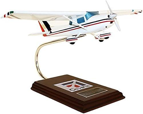 Daron Worldwide Trading ESAG003 C-150 152 1 24 AIRCRAFT