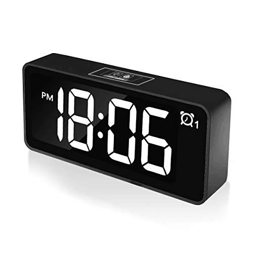 """CHEREEKI Reloj Despertador Digital, Relojes de Pantalla LED de 4.6""""con Función de Control de Voz, Puerto de Carga USB, 12/24 Horas, Modo de Posponer, para Dormitorio, Oficina y Viajes (Negro)"""