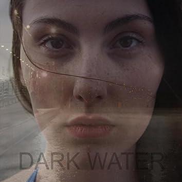 Malcolm Lindsay: Dark Water