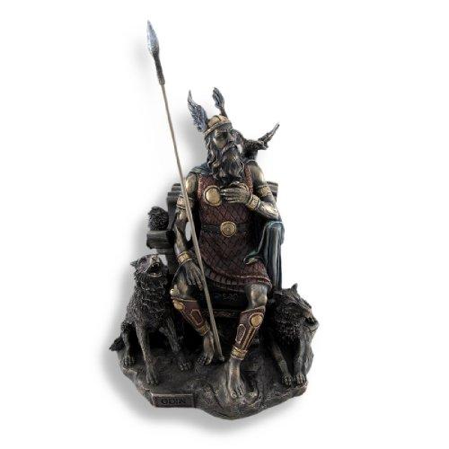braunen nordischen Gott Odin auf Thron, mit Raben und Wölfe Statue