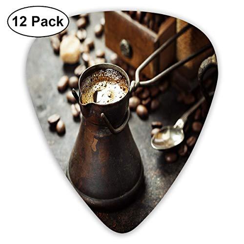 Gitaar Picks12pcs Plectrum (0.46mm-0.96mm), Oude Antieke Koffiepot En Molen Op Donker Rustieke Achtergrond Drank maken Afbeelding, Voor Uw Gitaar of Ukulele