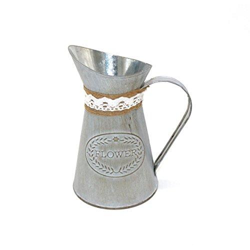 CVHOMEDECO. Country Primitive Mini pot à lait avec pot de lait avec Linge attaché, planteur de fleurs rustique chic pour la décoration de jardin et de maison. 13,3 x 10 x 15,8 cm