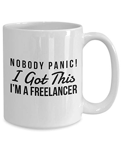 Taza de café para café con leche o té caliente personalizado Freelancer, regalo para freelancer, taza de humor freelancer, freelancer taza de humor, Meme Humor Freelancer 11 oz