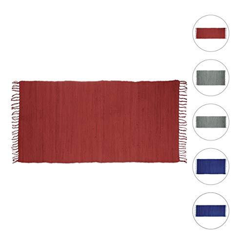 Relaxdays Flickenteppich rot 70 x 140 cm mit Fransen aus 100 % Baumwolle, einfarbig, Fleckerlteppich, red