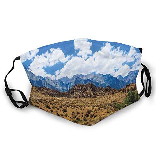 Paisaje De Las Tierras Estriles De Nevada Montaas Con Formaciones De Roca En Las Laderas,Mscara Adulto
