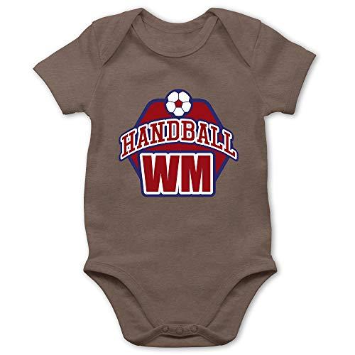 Shirtracer Handball WM 2019 Baby - Handball WM 2019-12/18 Monate - Braun - Body Handball - BZ10 - Baby Body Kurzarm für Jungen und Mädchen