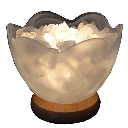 Bergkristall Edelstein-Lampe Lotusblüte. Moderne Form der Präsentation von rohen Edelsteinen und Glas als Lampe. Super Geschenk Idee für kleines Geld und schöne dekorative Beleuchtung für jeden Raum.