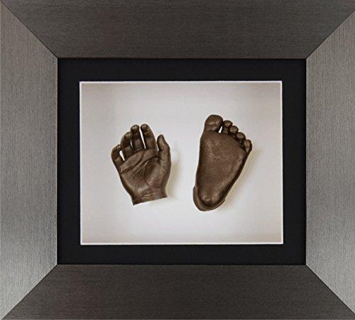 BabyRice New Baby Casting Kit mit 15,2 x 12,7 cm gebürstetem Zinn 3D Box Display Rahmen / Schwarz Passepartout / Weiß Rückseite / Bronze Farbe