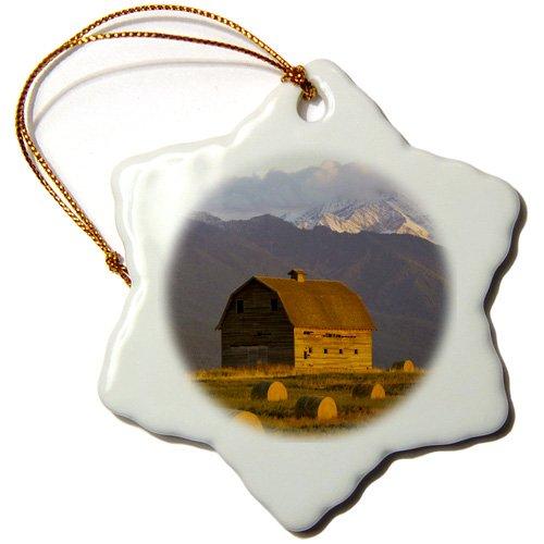 3dRose ORN 91704_ 1Old Barn, Heu Ballen, Mission Mountain Range, montana-us27cha1117-chuck Haney-Snowflake Ornament, 3Zoll, Porzellan