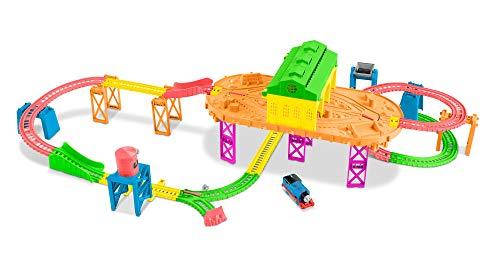 Il Trenino Thomas- Playset Pista Stazione Fluorescente, con 1 Locomotiva Motorizzata Thomas, Giocattolo per Bambini 3+ Anni, FJL41