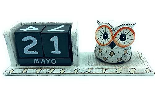Calendario Perpetuo de Madera Buho. Artesania Decoración para la Mesa, estantería, Escritorio. Idea de Regalo. Color Blanco decapado