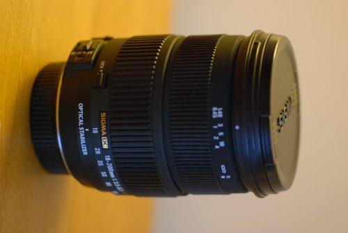 Sigma 18-200mm F3.5-6.3 II DC OS HSM Lens for Nikon SLR Camera (OLD MODEL)